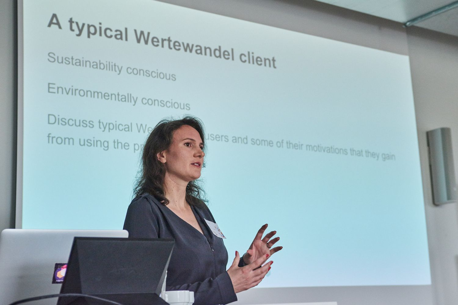 Danielle Reid presenting at Wertewandel workshop